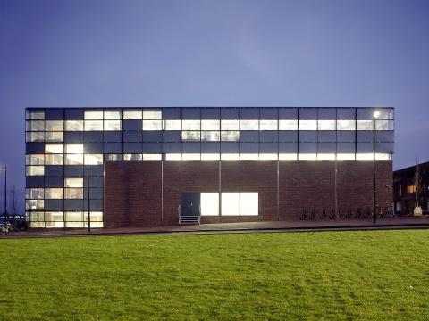 Kantoor en gymzaal Sporenburg